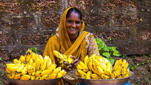 Bananenverkäuferin in Indien