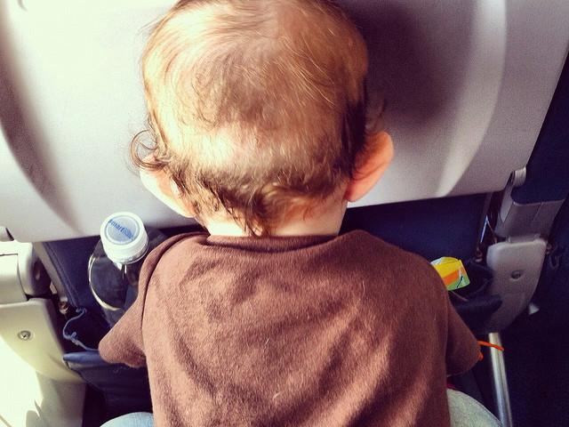 Baby im Flugzeug