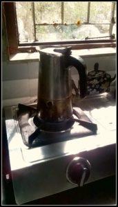 Kaffee kochen am Morgen