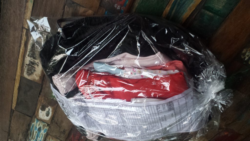 Wäsche aus der Reinigung auf Bali