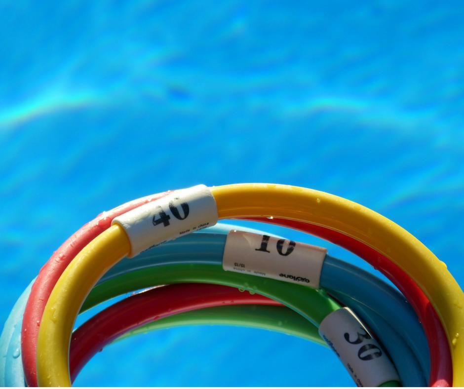 Schwimmhilfen im Pool