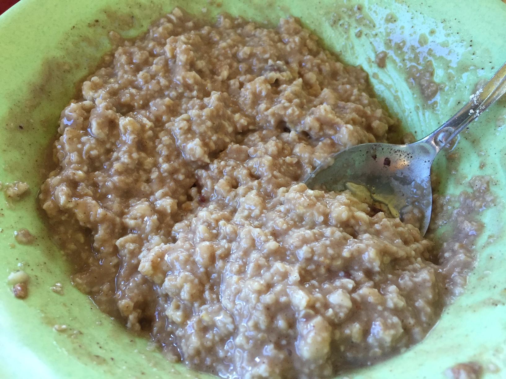 Porridge am Morgen vertreibt Hunger und Sorgen.